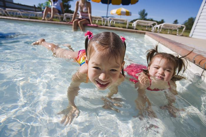 CDC-Dont-swallow-the-water-you-swim-in-its-full-of-germs